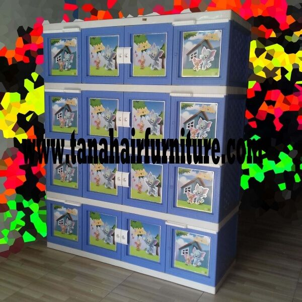 Lemari Plastik Akako Super Jumbo 16 pintu