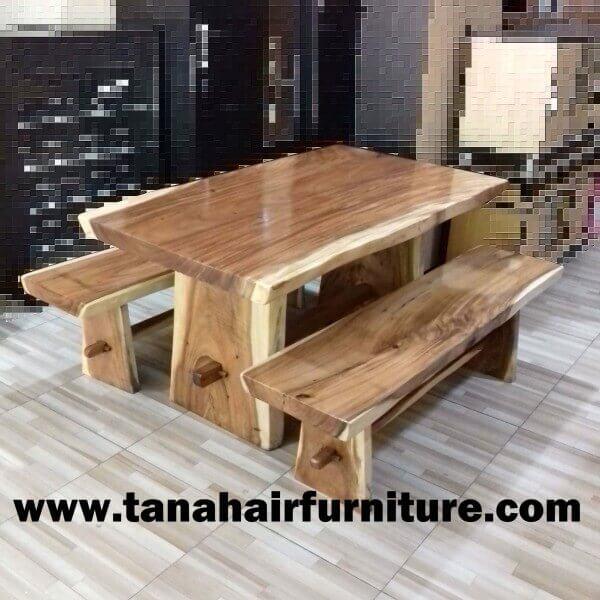 1 Set Meja dan Kursi Kayu Trembesi